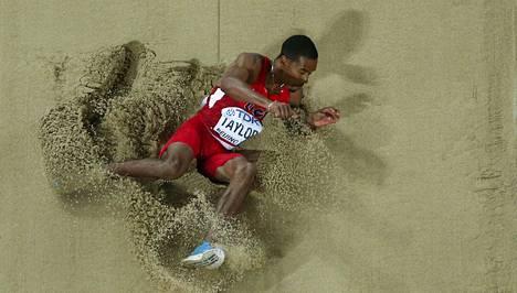 Christian Taylor loikkasi MM-kultaan.