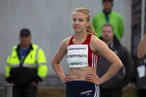 Lotta Kemppinen juoksi viime kesänä 100 metrin Suomen mestariksi.