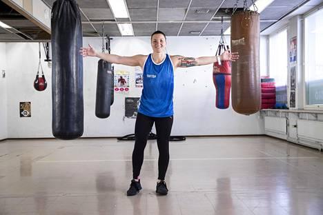 Gustafssonin treenimahdollisuudet ovat koronatilanteesta huolimatta pysyneet hyvinä. Hän saa harjoitella Tarmon nyrkkeilysalilla, vaikka treenitila on muuten suljettuna.
