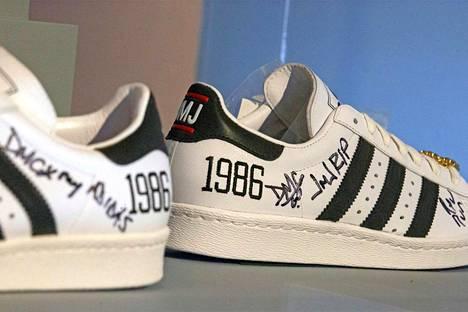 Adidas x Run-DMC 25th Anniversary Superstar -malli.