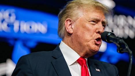 Donald Trumpin mukaan USA:n naisten jalkapallojoukkue hävisi Ruotsille poliittisen suuntautumisen takia.