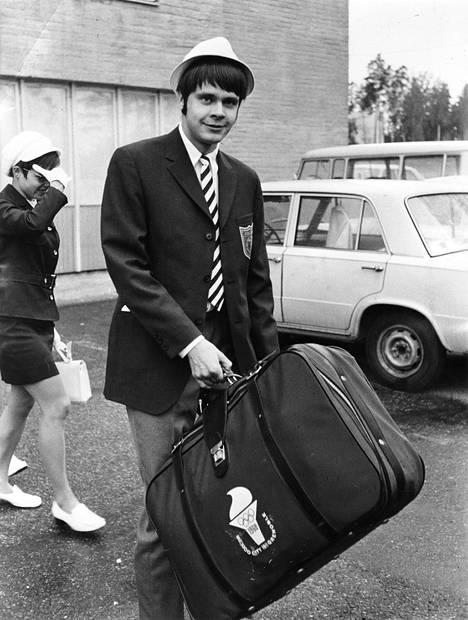 Pousi lähdössä Meksikon olympiakisoihin vuonna 1968.