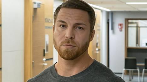 37-vuotias Jere Tiihonen oli niukkasanainen ennen istuntoa.