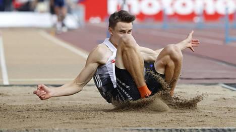 Simo Lipsanen venytti oman ennätyksensä – tällä kertaa pituushypyssä.