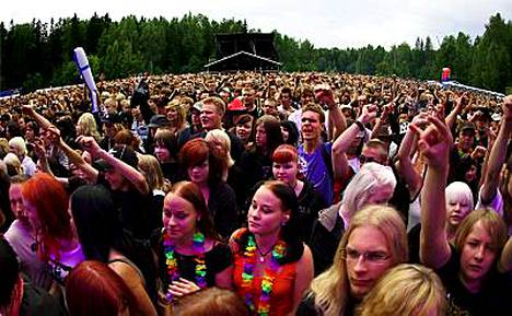 Festarikesän perinteisesti päättävä Ankkarock keräsi lauantaina noin 17 000 juhlijaa.