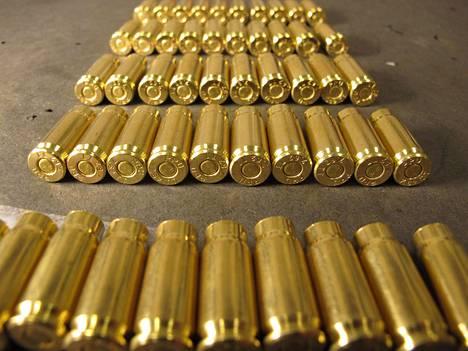 Poliisin käsiin päätyi huomattava määrä ammuksia.