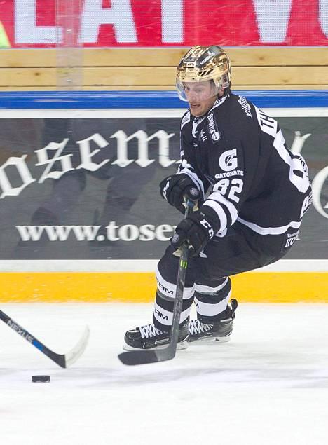Erik Thorell on pelannut väkevän alkukauden mustavalkoisissa.