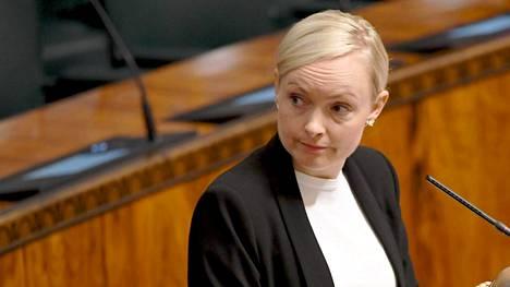 Sisäministeri Maria Ohisalon (vihr) mukaan oikeusapu-uudistuksella korjataan laatuongelmat maahanmuuttohallinnossa.