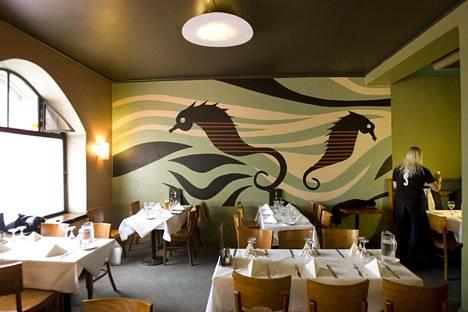 Ravintola Sea Horse on pysynyt sisustukseltaan samankaltaisena vuosikymmenet.