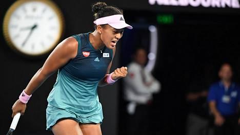Tennisdraamaa! Naomi Osaka voitti huikean taiston jälkeen Australian avoimen turnauksen