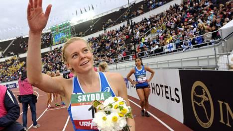 Hanna-Maari Latvala juhli viime syksynä Ruotsi-ottelun satasen voittoa.