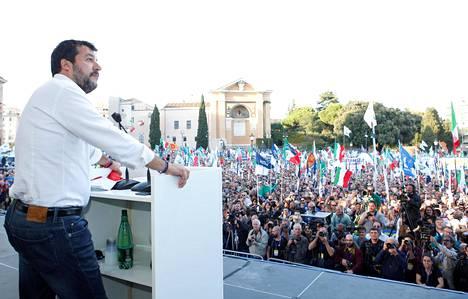 Matteo Salvinin Lega-puolue sai vuoden 2018 parlamenttivaaleissa yli 17 prosentin kannatuksen.