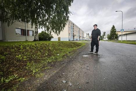 Pommi räjähti Aarnitiellä Torniossa. Arlene Kulokorpi, joka asuu parin korttelin päässä, kuuli yöllä räjähdyksen. Hänen mukaansa hän näki savun nousevan kahden talon välistä.