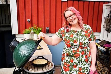 Kreetta Ahonen haluaisi mullistaa grillaamisen perinteitä.