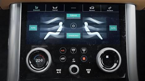 Ilmastoinnin säätöjen opettelu lisää käytön mukavuutta. Autoliiton Teppo Vesalaisen mukaan ilmastoinnin suosituslämpötila on noin 22 astetta.