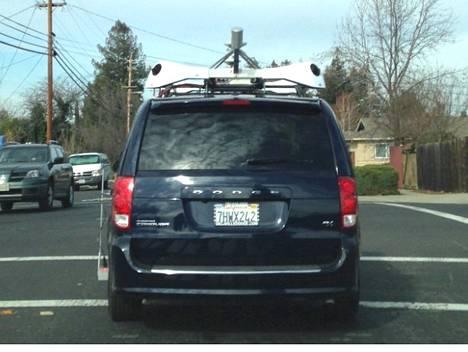 Applen kamera-auto kiertää San Franciscon alueella.