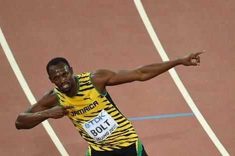 Usain Bolt pääsi tekemään tavaramerkkituuletuksensa, kun hän juhli satasen maailmanmestaruutta Pekingissä elokuussa.