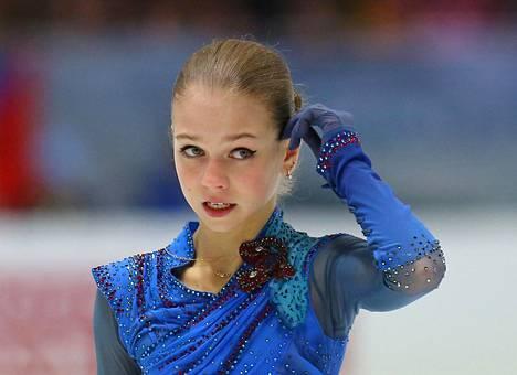 Aleksandra Trusova on jo jättänyt jälkensä taitoluisteluun, vaikka on vasta 16-vuotias.