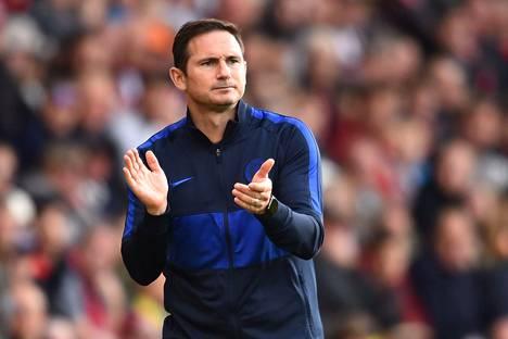 Frank Lampard edusti pelaajaurallaan Chelseaa vuodet 2001–2014. Täksi kaudeksi hän nousi lontoolaisseuran päävalmentajaksi.