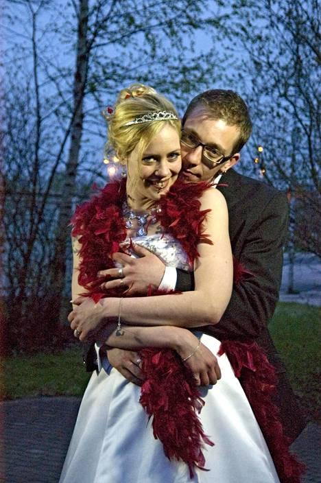 Vuonna 2011 avioituneet Johanna Merjomaa-Grönberg ja Kim Grönberg ovat yhä naimisissa.