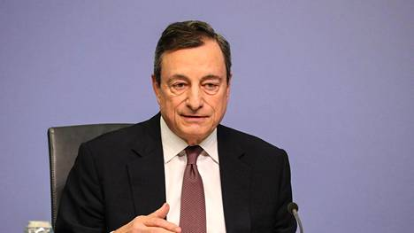 Draghi sanoi EKP:n korkokokouksen jälkeisessä tiedotustilaisuudessa, että euroalueen pohjainflaatio on yhä vaimeaa ja heikommat talousluvut viittaavat talouskasvun hidastumiseen. Tämä kasvun jarrutus jatkuu tänä vuonna.