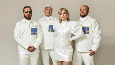 Ruotsalainen eurodance-tähti Pandora esiintyy uudella UMK-kappaleella rap-trio Teflon Brothersin kanssa.