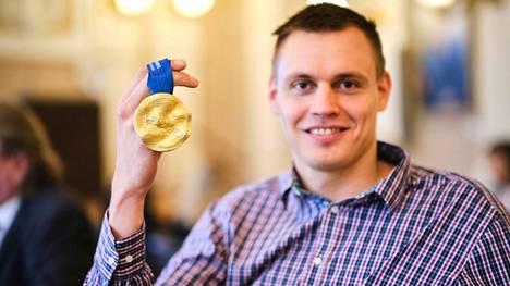 Tällä kertaa Ari-Pekka Liukkonen osallistui itsekin omille mitalikahveilleen.