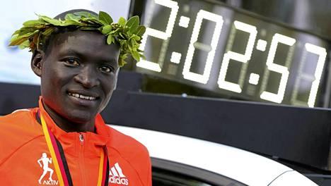 Dennis Kimetto juoksi Berliinissä uuden maratonin maailmanennätyksen.