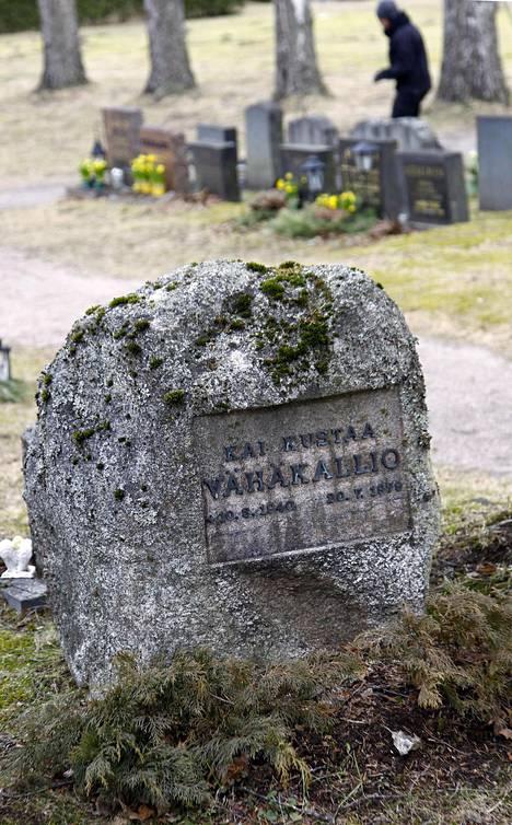 Kai Vähäkallio ampui teinipojat telttaan Kaalimaannokkaan, joka näkyy kartanon ikkunoista.