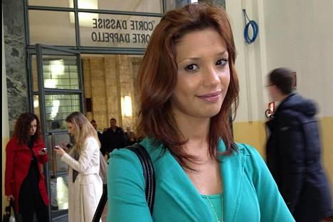 Iman Fadilin oli määrä todistaa Berlusconia vastaan tulevassa oikeudenkäynnissä.