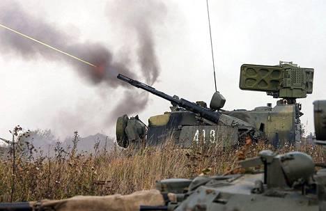 Venäjä on sijoittanut Kaliningradin alueelle nykyaikaisia ohjus- ja ilmatorjuntajärjestelmiä. Kuvassa Tunguska-patteriin kuuluva ilmatorjuntatykki harjoituksissa Kaliningradissa elokuussa 2018.