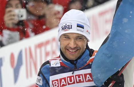 Andrus Veerpalu juhli viimeistä arvokisavoittoaan vuonna 2009 Liberecin MM-kisoissa.