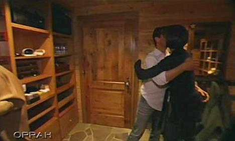 Tom ja Katie innostuivat pussailemaan Oprahin nähden.
