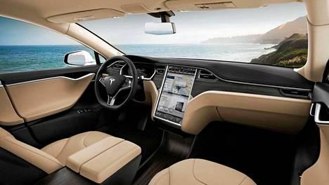 Teslan Model S:n ohjaamoa hallitsee suuri näyttöruutu.