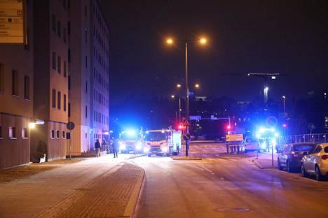 Tulipalo syttyi seitsemänkerroksisen kerrostalon pyörävarastossa.