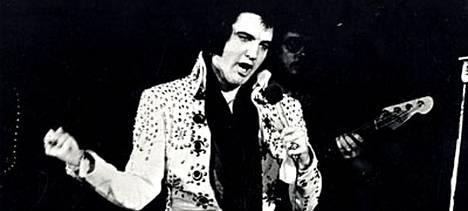 Elvis oli yksi kaikkien aikojen tunnetuimmista laulajista.