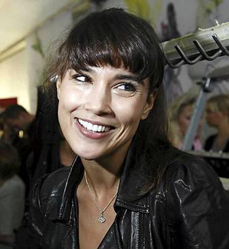 Malli Maryam Razavi tienasi vuonna 2009 106 378 euroa.