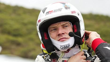 Jari-Matti Latvala on jälleen palkintokorokesijalla.