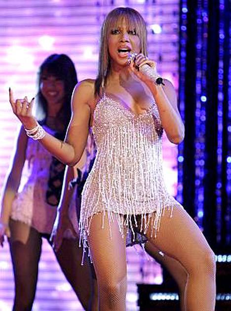 Toni Braxton esiintyi NBA:n All-Star-koripallo-ottelun puoliajalla Las Vegasissa helmikuussa 2007.