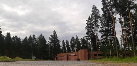 Summassaari sijaitsee Saarijärven Summasjärvessä.