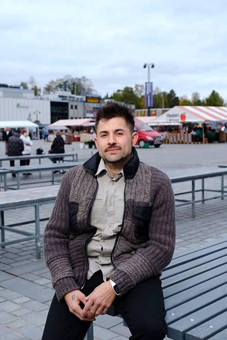 Christian Fernandez on kotiutunut hyvin Kuopioon. Hän ei ole koskaan kohdannut Suomessa syrjintää, vaikka kieli ja kulttuuri eivät olekaan vielä aivan täysin hallussa.