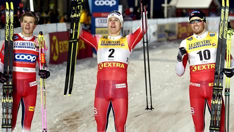 Norja otti miesten sprintissä kolmoisvoiton Erik Valnesin (kesk.) johdolla.