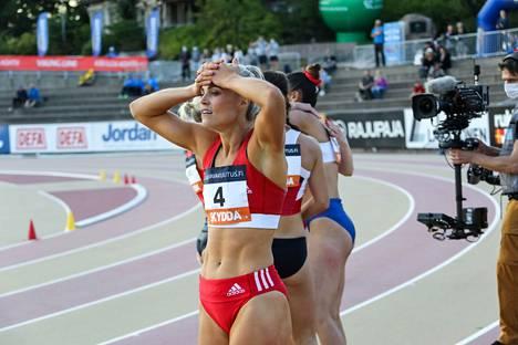 Haralan mukaan syömishäiriö hidasti hänen kehittymistään urheilijana. Hänen 100 metrin aitojen ennätyksensä 13,07 syntyi viime kesänä.