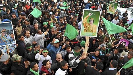 Arabimaailman levottomuudet ovat yltäneet myös Muammar Gaddafin johtamaan Libyaan.