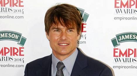 Tom Cruise on löytänyt uuden huomattavasti nuoremman rakkaan.