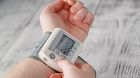 Tyypillinen korkean verenpaineen seuraus on valtimoiden kovettuminen ja suonten seinämien haurastuminen, mikä ajan mittaan voi johtaa sydän- tai aivoinfarktiin tai suonten repeämiseen.