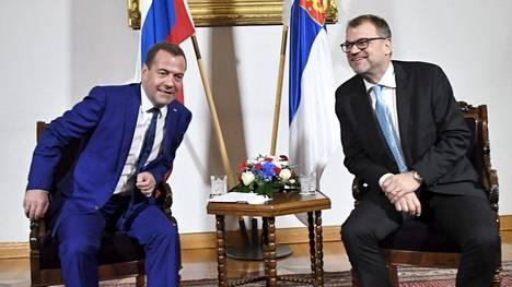 Venäjän pääministeri Dmitri Medvedev tapasi kollegansa Juha Sipilän Suomessa.