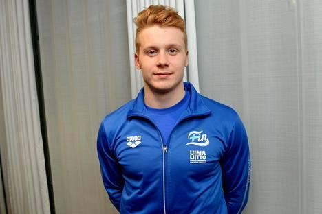 –Jos joku kaveri antaisi 50 euroa kuukaudessa ja sanoisi että ui kovaa, se helpottaisi paljon, Niko Mäkelä sanoo.