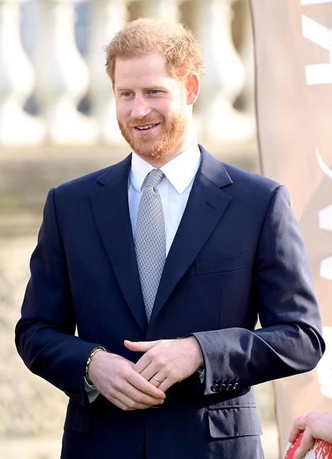 Prinssi Harry on nykyään onnellisesti naimisissa herttuatar Meghanin kanssa.
