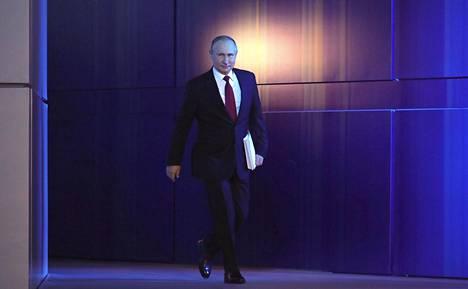 Vladimir Putin järjesti keskiviikon linjapuheessaan yllätyksen, kun hän käynnisti Venäjällä perustuslakiremontin. Putinin puheen jälkeen Dmitri Medvedevin hallitus jätti eronpyyntönsä.